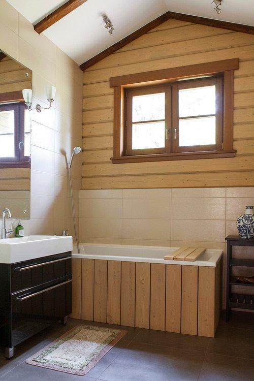 Modern Country Bathroom in Neutral Tones