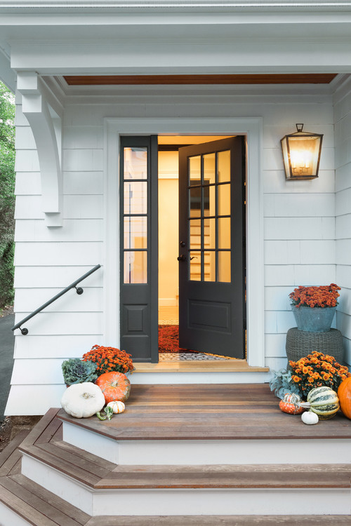 Modern Farmhouse Entryway with Mums and Pumpkins