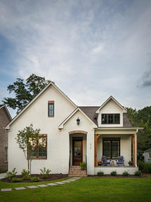 Charming White Cottage in Birmingham, Alabama
