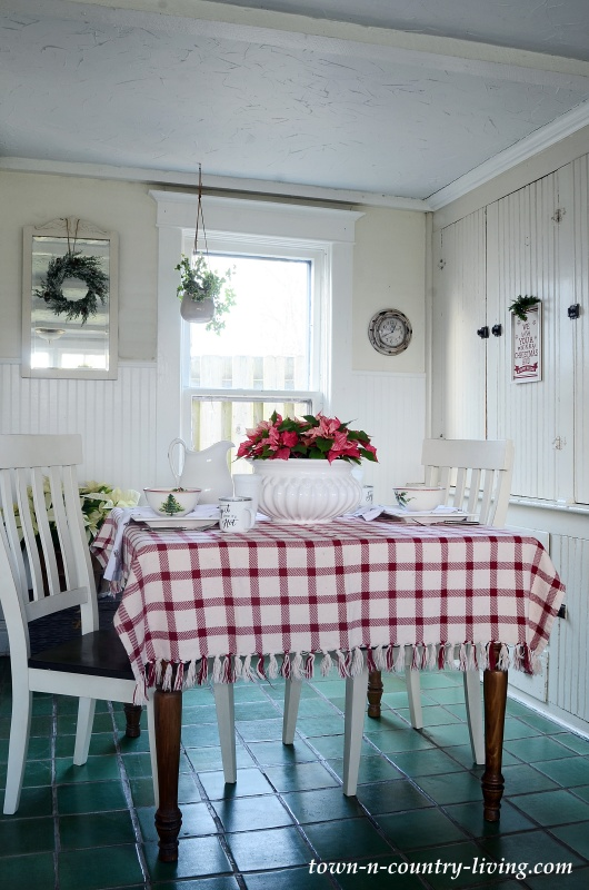 Christmas Breakfast Nook in Red and White