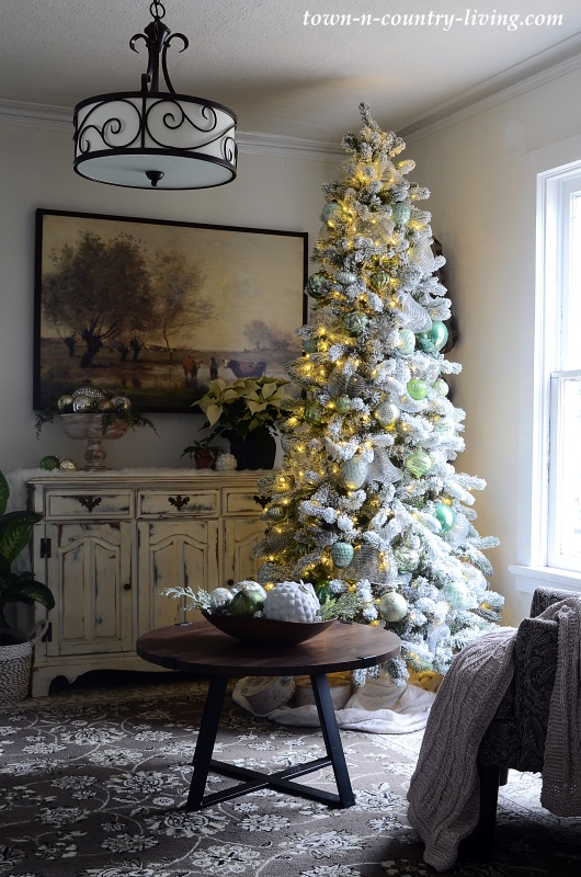 Christmas Tree and Decorating in the Sitting Room