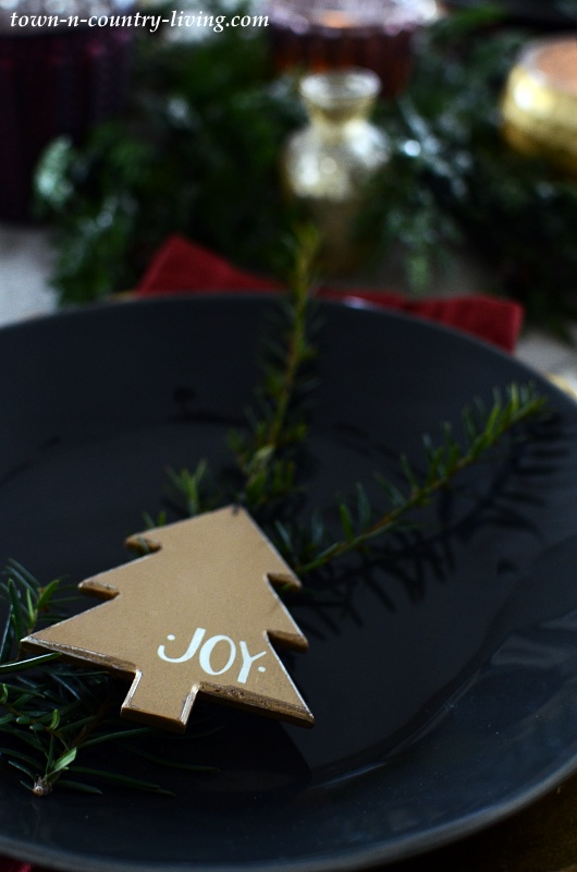 Christmas Place Setting with Wooden Tree Ornament