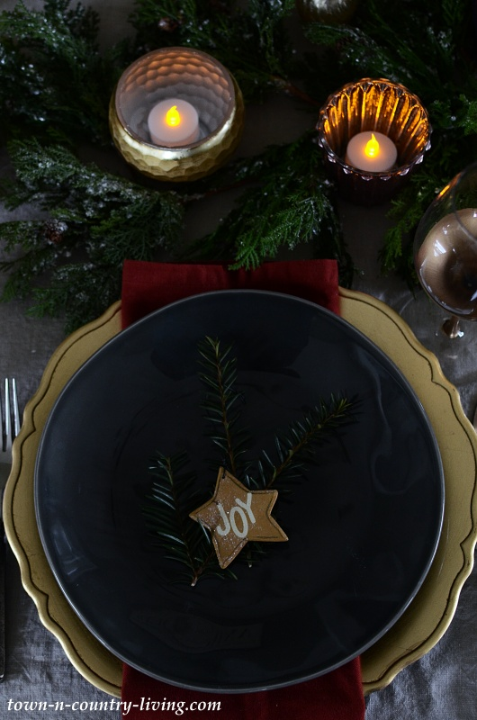Christmas Place Setting with Wooden Star Ornament
