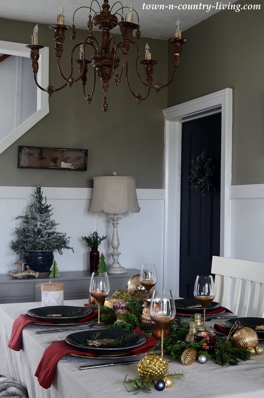 Modern Country Christmas Dining Room