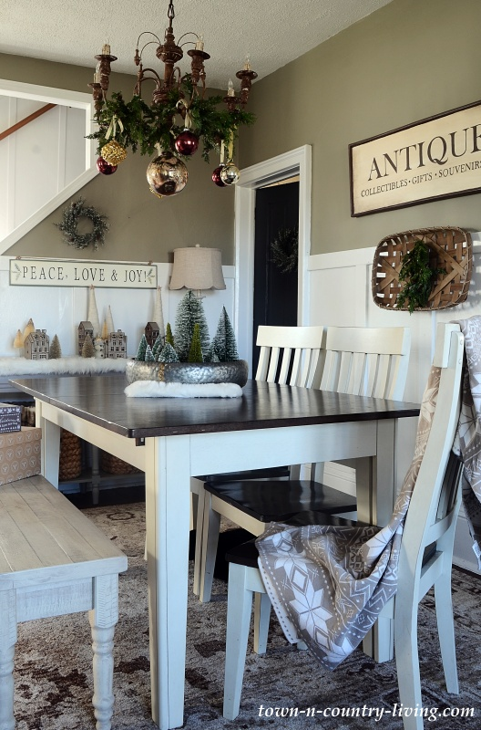 Country Christmas Home Tour - Dining Room