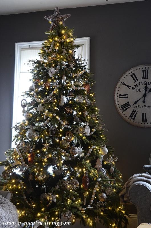 Christmas Tree in Dark Gray Family Room