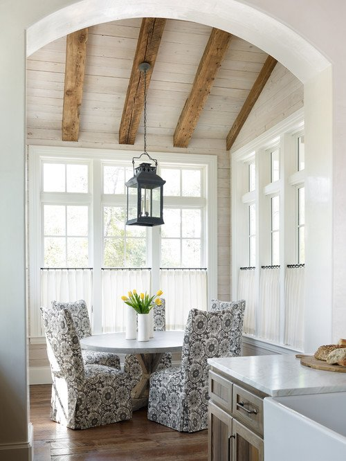 Beach Style Breakfast Nook