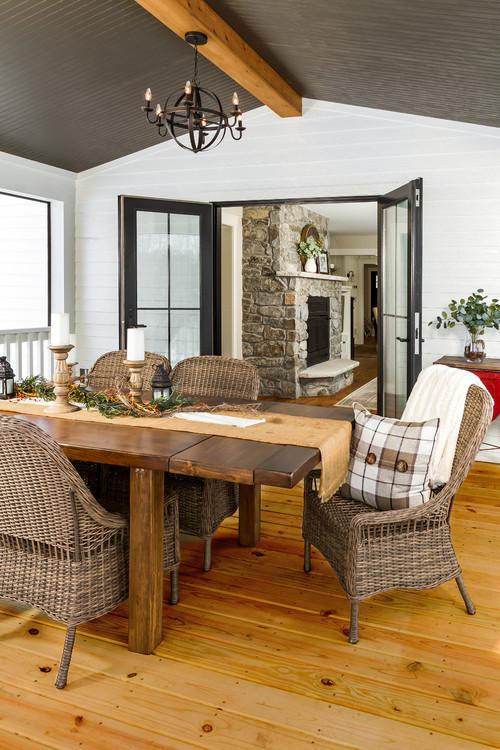 Three Season Porch for Outdoor Dining