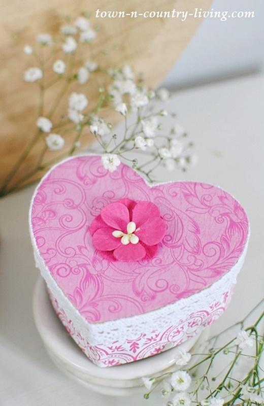 DIY Valentine Heart Boxes