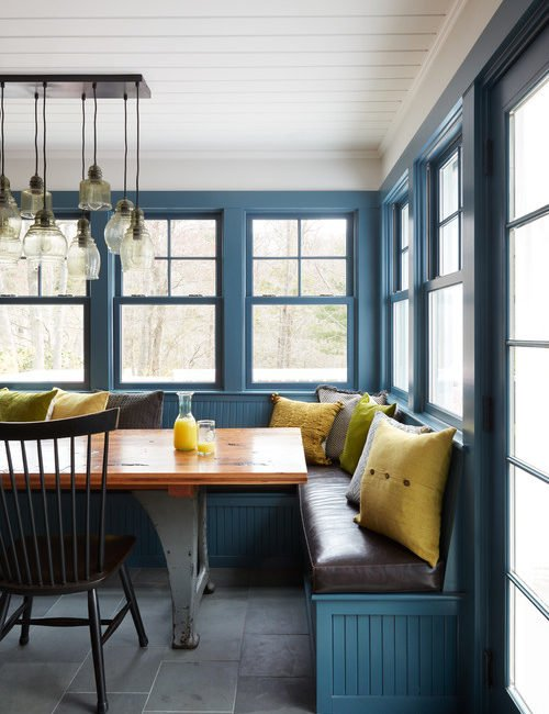 Classic Blue Breakfast Nook with Banquette