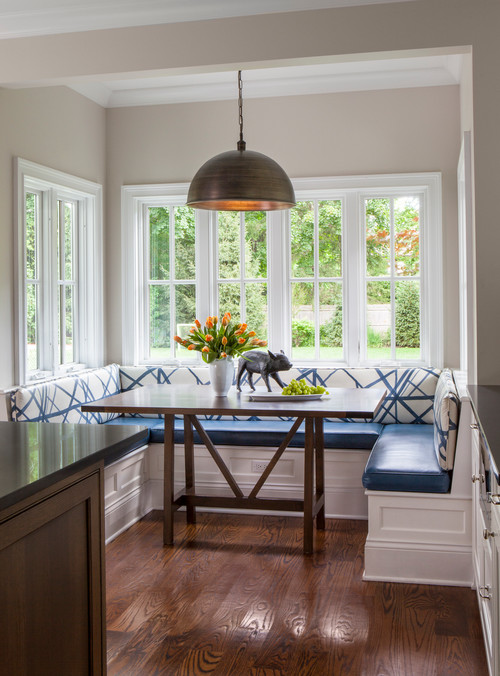 Bump Out Window with Dining Banquette