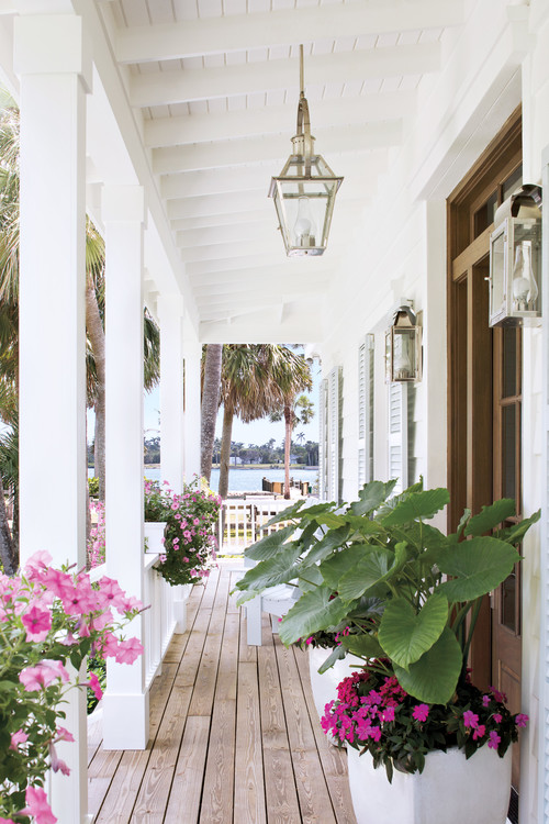 Cottage Front Porch in Miami