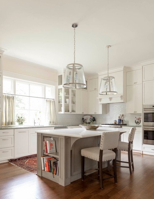 Traditional Home Kitchen in Neutral Color Scheme