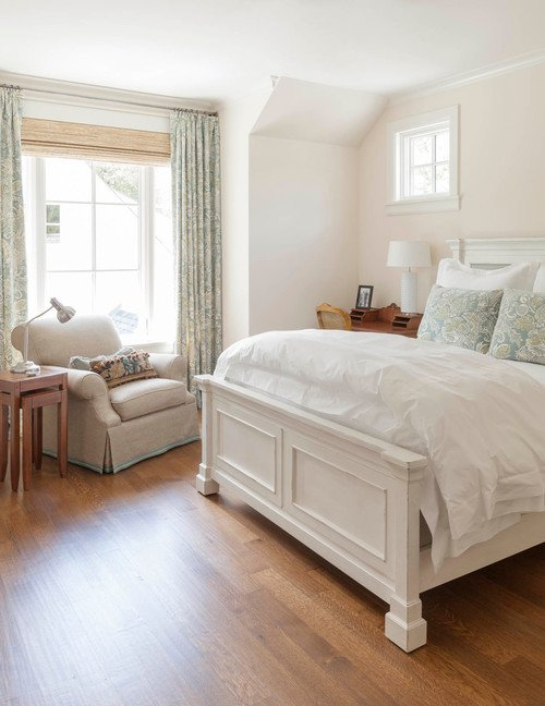 Traditional Bedroom in White Tones