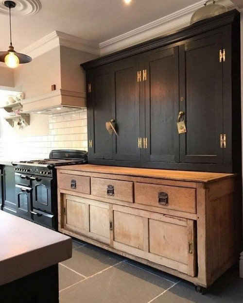 Country Style Kitchen in Black and Wood