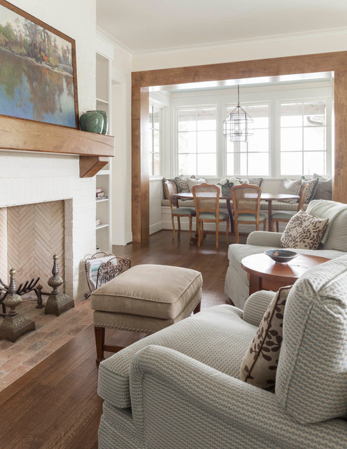 Cozy Family Room with Charming Breakfast Nook