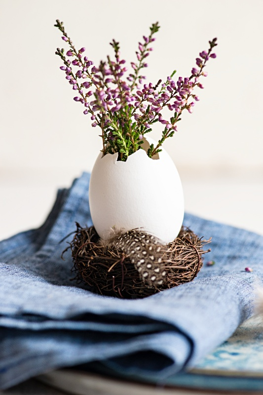 Turn Egg into Mini Vase