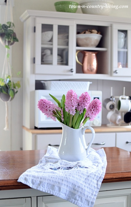 Pink Hyacinths on Kitchen Island - Spring Decorating Home Tour