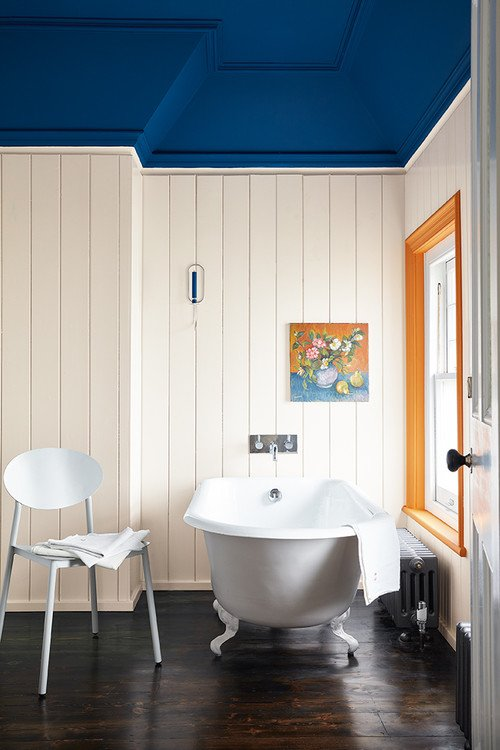 Vintage Bathroom with Bold Paint