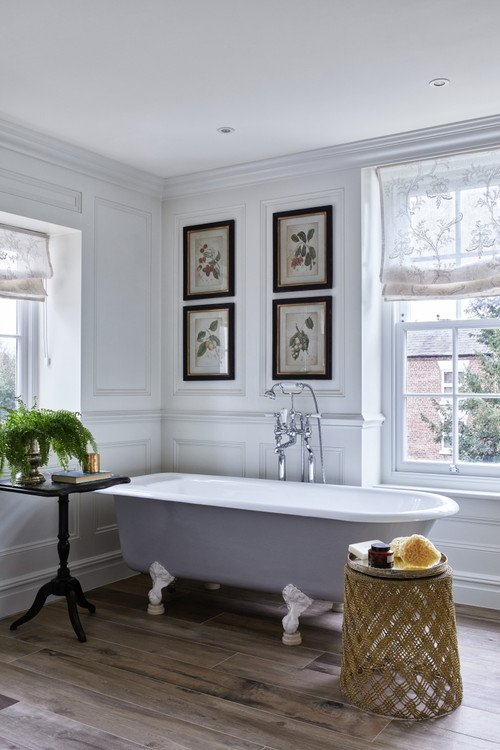 Traditional and Elegant Bathroom with Claw Foot Tub