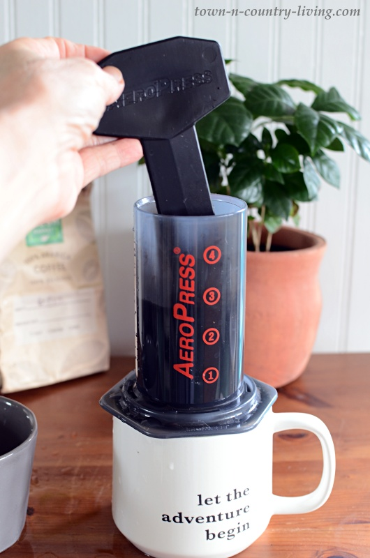 How to Make a Latte with an AeroPress