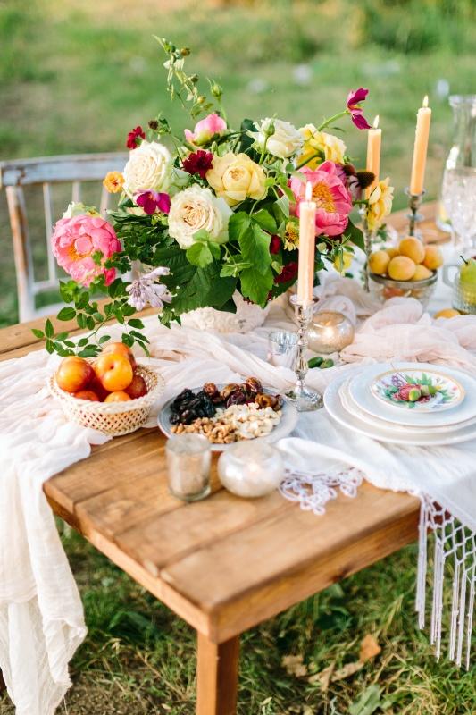 Garden Flowers Create an Outdoor Centerpiece