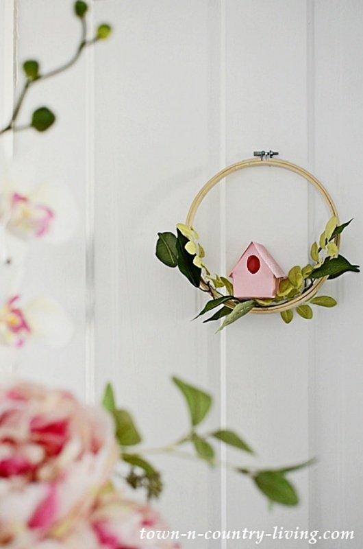 Easy to Make DIY Birdhouse Wreath