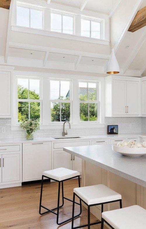 Light and Bright Coastal Style Kitchen