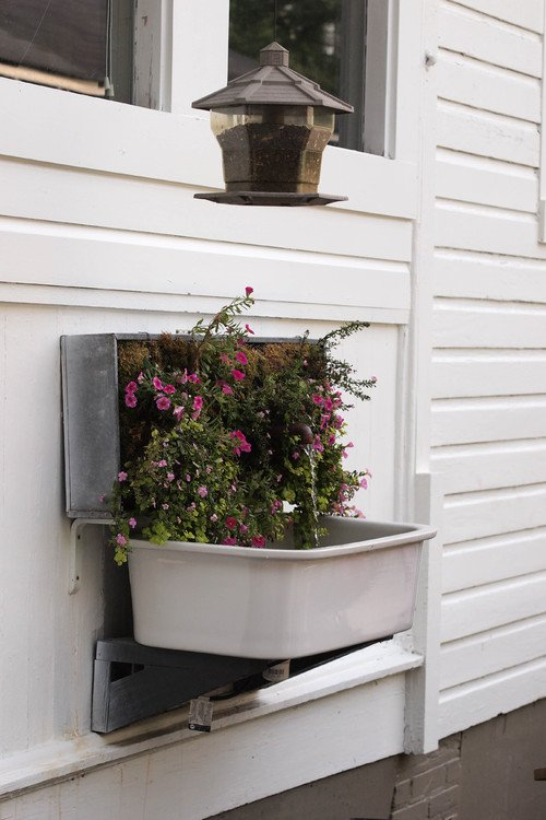 Unique Flower Box with Water Fountain