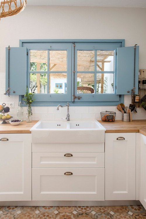 Blue and White Kitchen in Barcelona Cottage