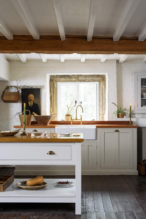 Old World Kitchen by deVOL Kitchens of the U.K.