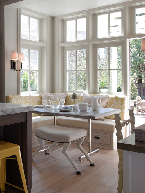 Banquette Breakfast Nook in Classic Cottage