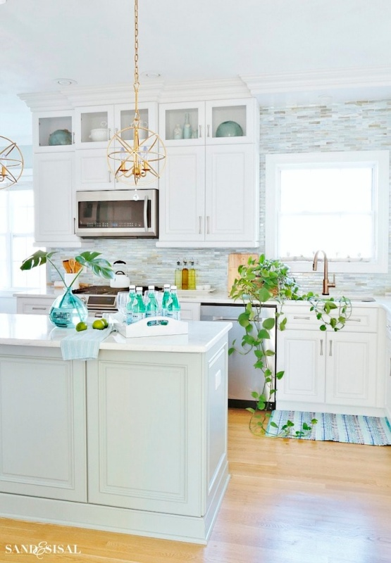 Kitchen Decorating by Sand and Sisal