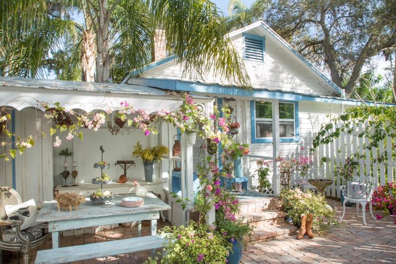Florida Cottage - Home of Fifi O'Neill
