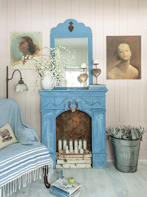 Blue Mantel in Fifi O'Neill's Florida Cottage