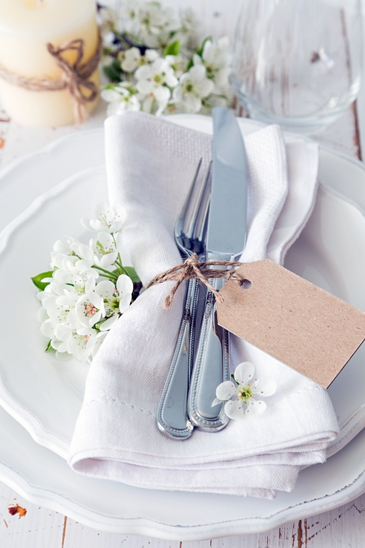 Summer White Table Setting