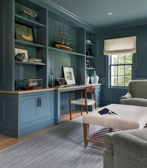Comfortable Beach House with Gray-Blue Den and Desk