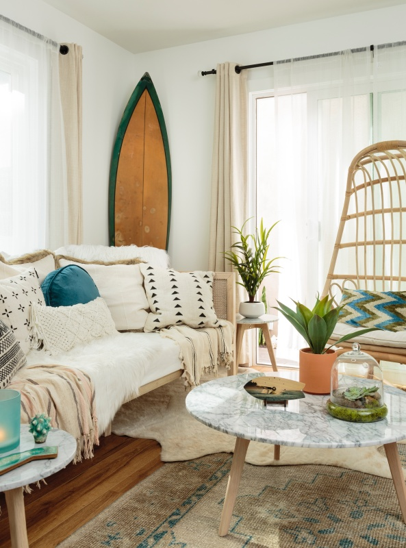 Relaxed Beach Style Living Room