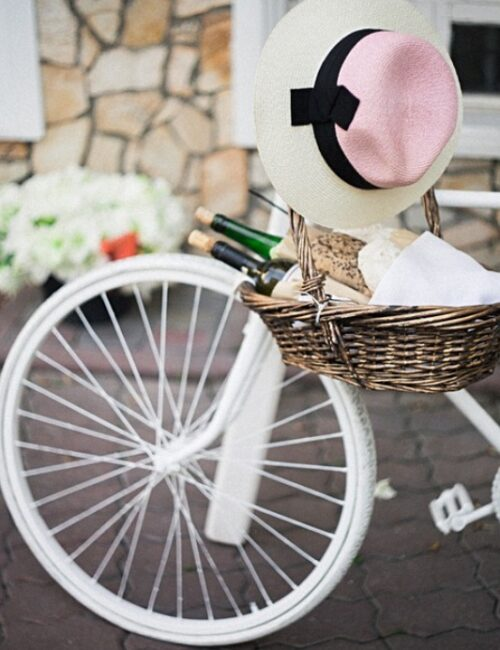 White Bicycle for Making the Most of Summer