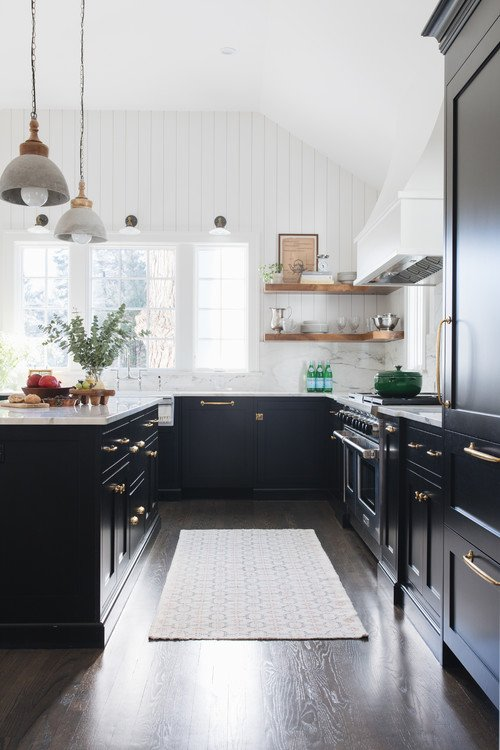 Black and White Modern Farmhouse Kitchen with Wood Floors
