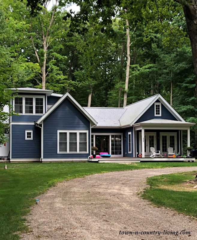 Blue Vacation Home on Lake Michigan South of Saugatuck