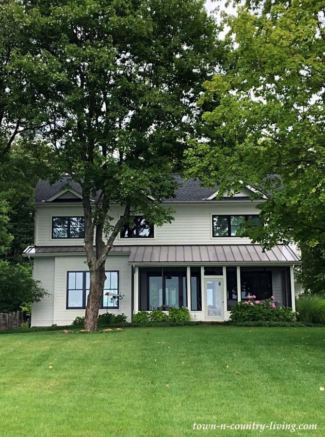 Modern Farmhouse Two-Story