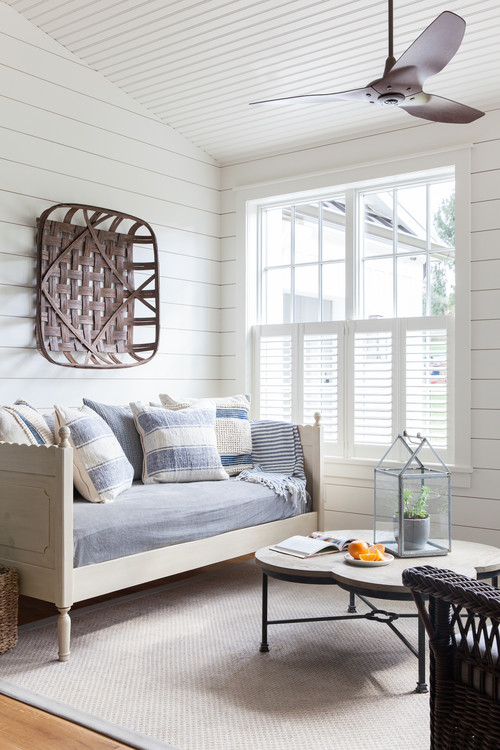 Scandinavian Style Day Bed in White Room