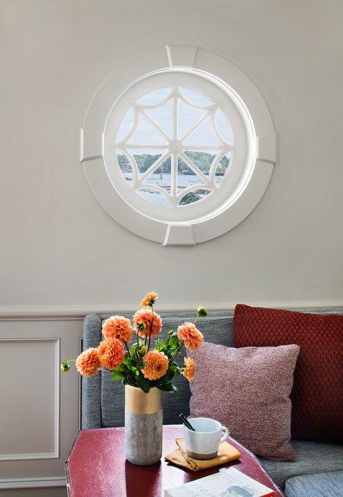 Round Spiderweb Window