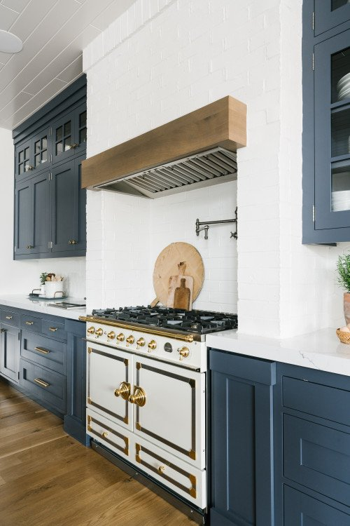 European Oven and Stove in Transitional Kitchen