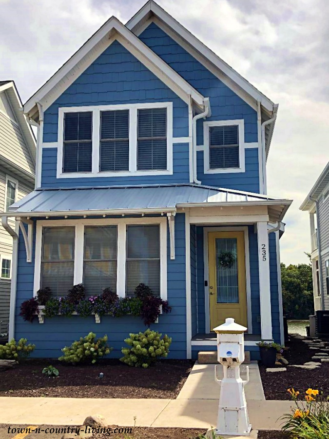 Country Blue Cottage Style Homes at Heritage Harbor