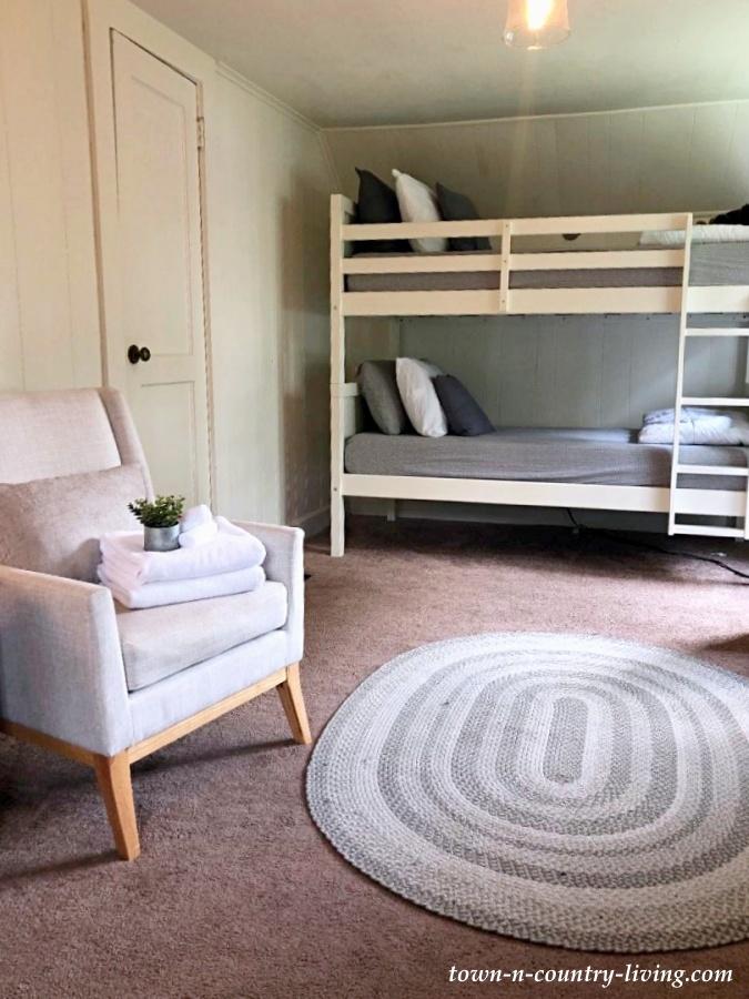 Cozy Farmhouse Bunk Bedroom