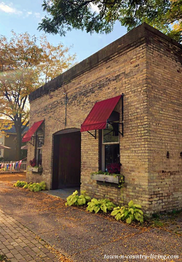 Charming Brick Building in Cambridge, Wisconsin
