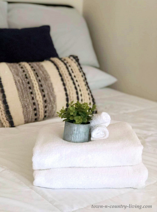 Farmhouse Bedding in White and Gray