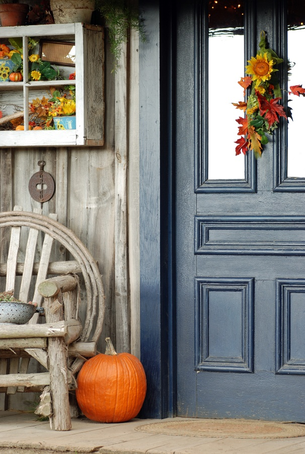 Fall Front Door Decor with Swag and Pumpkin